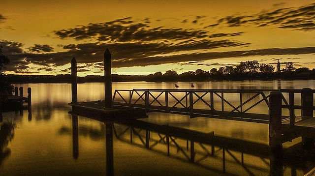 Dry_Dock_Road_Pier_Tweed_River_NSW_Australia
