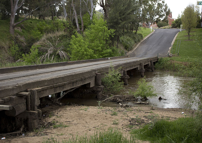 Low-level_Bridge_over_the_Lachlan_River_in_Cowra